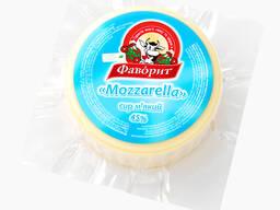 "Сыр мягкий ""Mozarella"" 45% от ТМ ""Фаворит"""